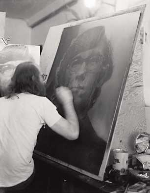 Chuck Close working on 'Keith/Mezzotint' at Crown Point Press, 1972 (Photo by Kathan Brown, courtesy Crown Point Press)